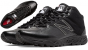 New Balance Mid Cut Field Shoe