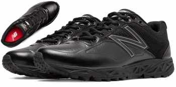 New Balance Low Cut Field Shoe